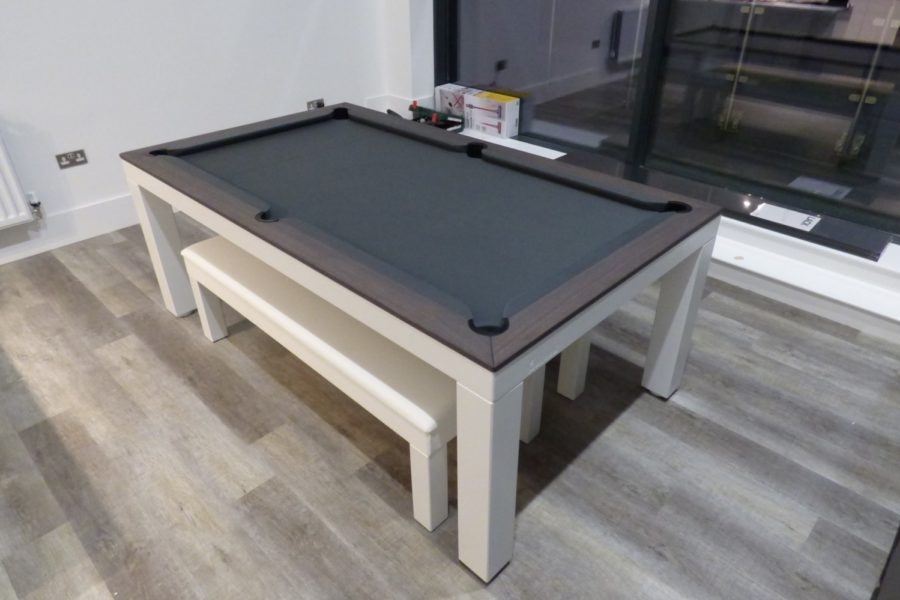 LuxuryPoolDiningTable1